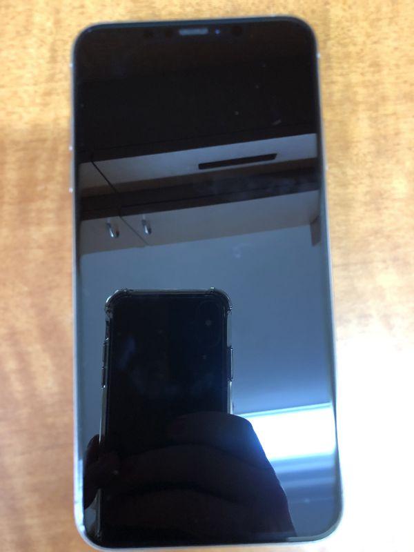 iPhone X 64gb UNLOCKED $550