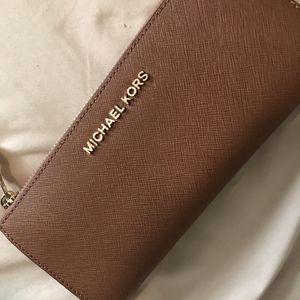 Michael Kors Women's Wallet for Sale in Columbia, SC
