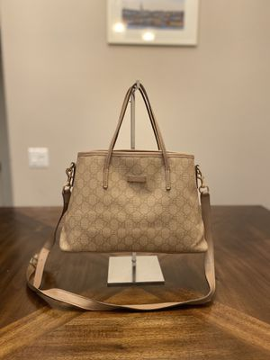 Gucci GG Supreme Canvas Shoulder Bag Crossbody for Sale in Rosemead, CA