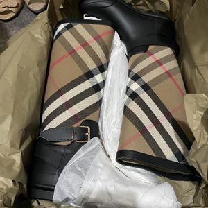 BURBERRY RAIN BOOTS for Sale in Stockton, CA