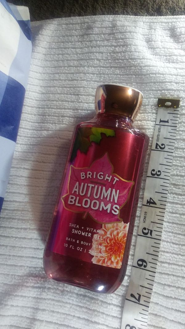 Bright autumn blooms shower gel 10oz. Bath&bodyworks