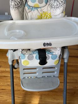 Free High Chair Pickup Only for Sale in Clifton Heights,  PA
