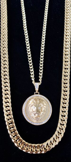 LION DIAMONDS cz 18K GOLD NEW CHAIN NECKLACE MADE IN ITALY!! for Sale in Miami, FL