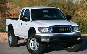 2004 Toyota Tacoma Xtra Cab SR5 Please LEΆVE ӍE YOUR Ế.ӍΆĺŁ and i will contact you soon with pic. and info. for Sale in Chicago, IL