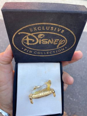 Disney exclusive Cinderella's slipper collectible pin for Sale in Long Beach, CA