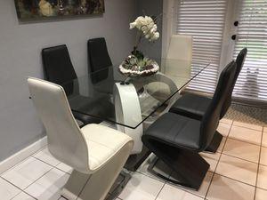 Modern dining set for Sale in Plantation, FL