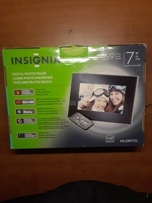 Digital picture frame for Sale in Tacoma, WA
