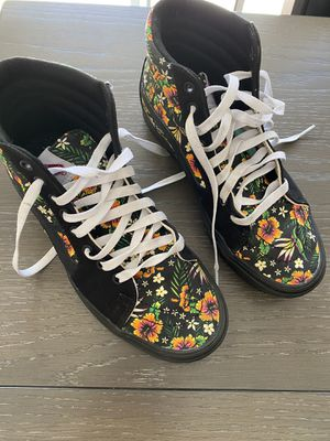 Vans size 8 like new used 1 time to gym for Sale in Mission Viejo, CA