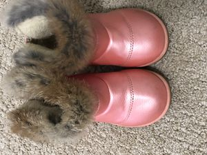 Pink winter boots toddler girls size 7 for Sale in Flint, MI
