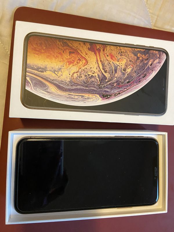 UNLOCKED IPHONE XS MAX - 64GB- GOLD!!