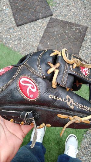 Rawlings 11/14 Baseball Glove for Sale in Bonney Lake, WA
