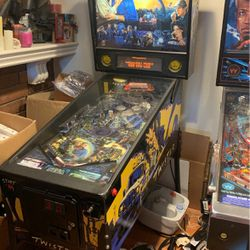 Twister Pinball Machine Shea 1996 100percent Perfect for Sale in Los Angeles,  CA