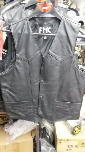 Motorcycle classic leather vest size medium brand new for Sale in Los Angeles, CA