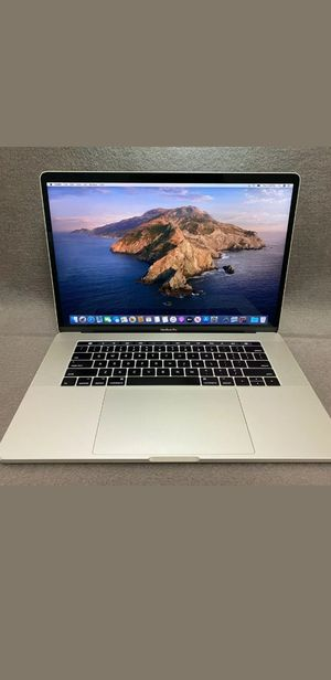 2017 macbook pro good condition for Sale in Queens, NY