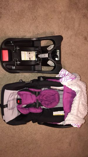 Infant/baby car seat for Sale in Bryan, TX