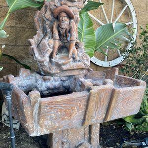 Big Concrete Water Fountain. for Sale in Fontana, CA