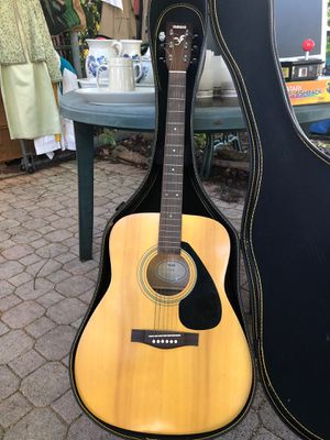 Acoustic Guitar Yamaha F-310 for Sale in Miami, FL