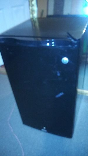 GE MINI REFRIGERATOR for Sale in Brownsville, TX
