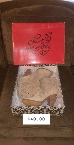 NEW Tan/Carmel Fringe Booties Size 8.5 for Sale in Austin, TX