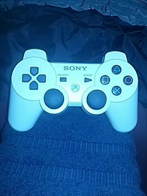 White ps4 controller for Sale in Greater Landover, MD