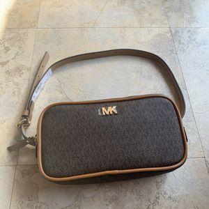 Original Michael Kors belt bag size S/M for Sale in Industry, CA