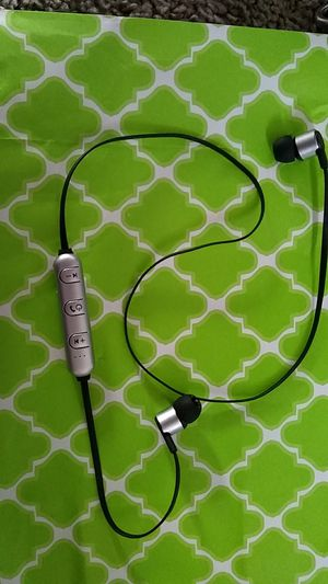 iWorld Bluetooth headphones, plays music just over four hours straight. for Sale in Puyallup, WA