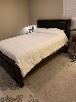 Bedroom set (Bed and 1 night stand) for Sale in Torrance, CA