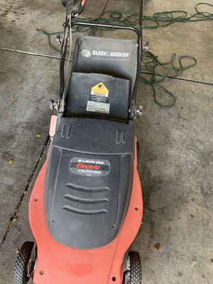 Black and decker electric lawn mower for Sale in Las Vegas, NV