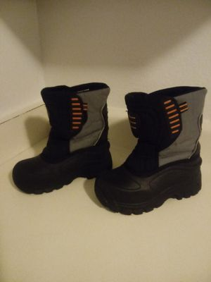 kids Snow boots zise '11' for Sale in Anaheim, CA