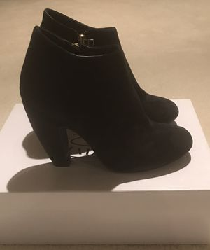 Steve Madden Black Suede Booties Size 8 1/2 for Sale in Potomac Falls, VA