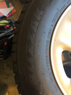 Toyota Tundra Bridgestone Blizzak DM-V2 on Rims P255/70R18 112S for Sale in Bend, OR