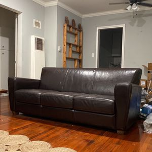 $200 RETRO BROWN LEATHER COUCH GOOD CONDITION/COMFORTABLE for Sale in Los Angeles, CA