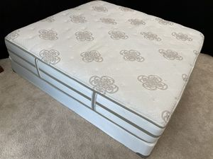 💝💞💕 KING 👑 BED and Box Spring 💞💕❣️ for Sale in Raleigh, NC