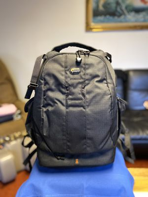 Lowepro DSLR camera bag in GOOD CONDITION. for Sale in Lynnwood, WA