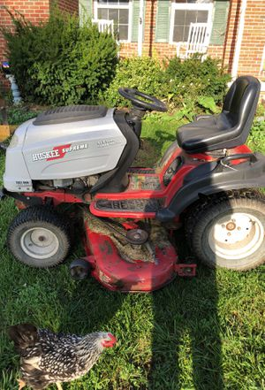 Huskee supreme sgt 5400 garden tractor for Sale in Delaware, OH