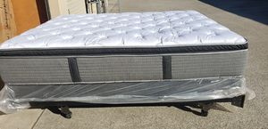 Quen serta pillow tap matres and boxpring for Sale in Hayward, CA
