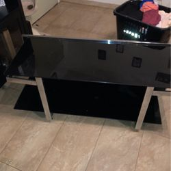 TV stand good condition Free for Sale in Long Beach,  CA