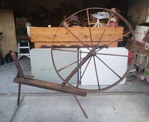 19TH CENTURY SPINDLE, SPINNING WHEEL, PRIMITIVE, RARE ANTIQUE for Sale in NEW PRT RCHY, FL