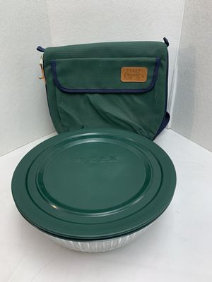 PYREX Portables Carrier & Round Ribbed Bowl Lid 7404-s 4.5 QT Hot Col Pack Bag for Sale in Pelham, NH