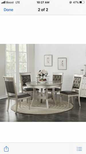 Dining table for Sale in Milwaukee, WI