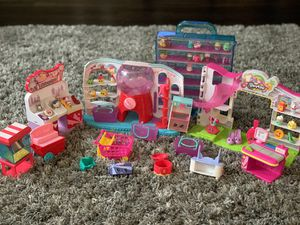 Shopkins playsets with 37 shopkins and 58 pieces for Sale in Houston, TX