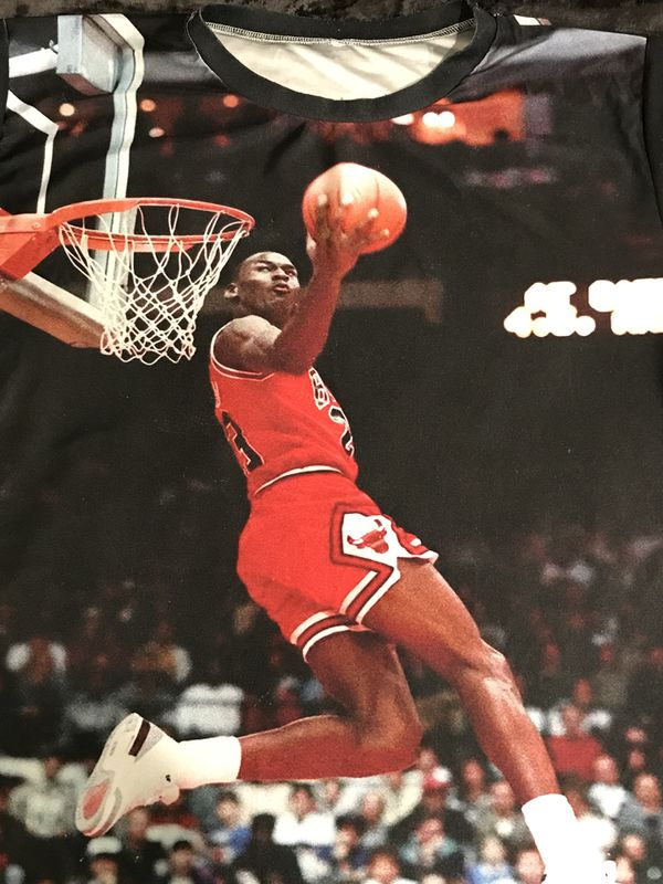 Vintage Michael Jordan Classic Dunk Posterized Image Tee _Limited Edition