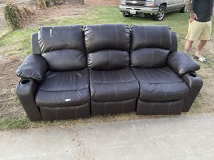 FREE COUCH for Sale in Fresno, CA