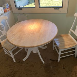 Kitchen Table And 2 Chairs for Sale in Setauket- East Setauket, NY
