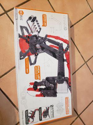Hexbug robotic arm for Sale in Dartmouth, MA