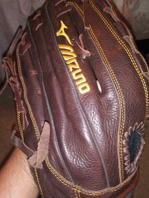 Mizuno Softball glove in perfect condition. for Sale in Austin, TX