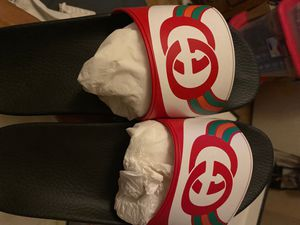 gucci slides red multi (new never worn) for Sale in Las Vegas, NV