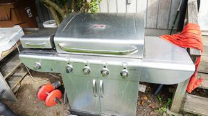 CharBroil Tru-Infrared Commercial Series BBQ Grill for Sale in Tacoma, WA