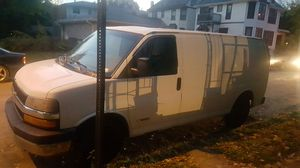 04 Chevy express van 2,500 for Sale in Columbus, OH