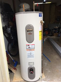 Water Heater 50 Gallon Electric (Used) for Sale in Sterling,  VA